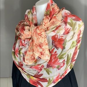 Accessories - NWOT Silk Blend Floral Open End Scarf